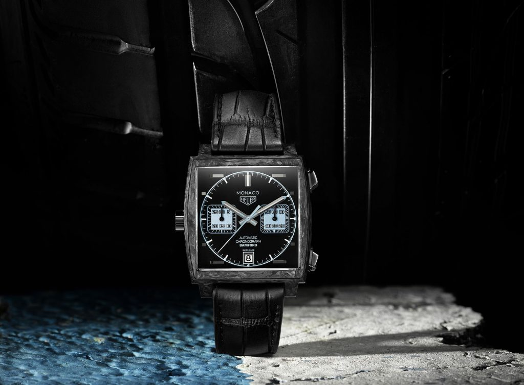The new innovative Monaco continuouly used the iconic features of the traditional ones: square case and dial.