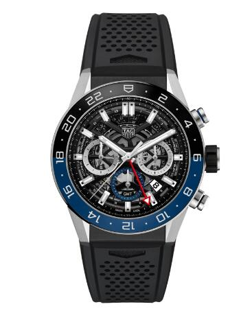 The red GMT hand is striking on the black background, guaranteeing the great legibility of the watch.