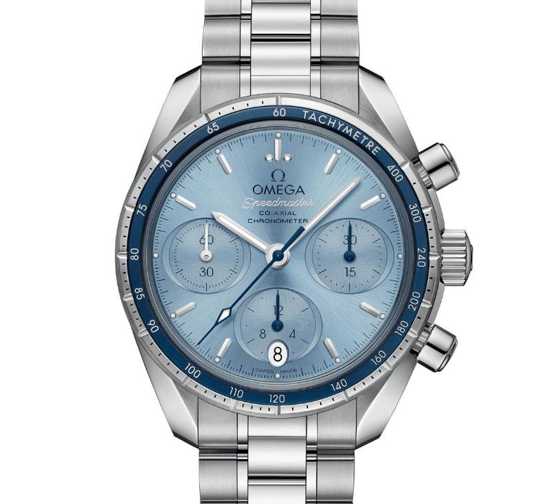There are three oval-shaped sub-dials on the light blue dial, sporting a distinctive look.
