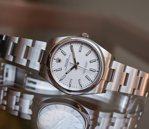 The classic Rolex has been designed with simplicity and elegance.