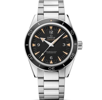 The timepiece sports a distinctive look of retro style.