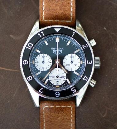 The white sub-dials are striking on the black dial.