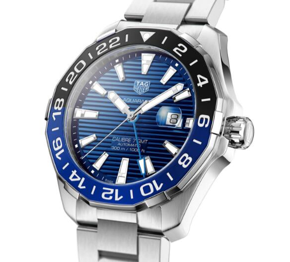 Attractive knock-off watches online apply evident blue color.